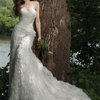 G231120 by Kathy Ireland Weddings By 2Be,