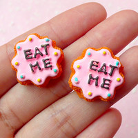 Eat Me Flower Cookie Cabochons (2pcs / 21mm) Biscuit Cabochon Kawaii Dollhouse Sweets Fake Miniature Cookie Decoden Kitsch Jewelry FCAB087