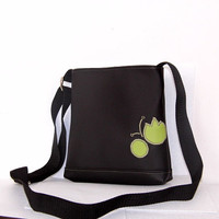 FREE SHIPPING Black and green faux leather purse