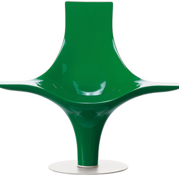 statuette lounge chair