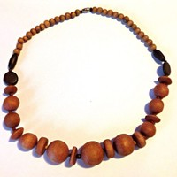 VINTAGE Women's Brown Wood Bead Tribal Bib Necklace Spring SALE