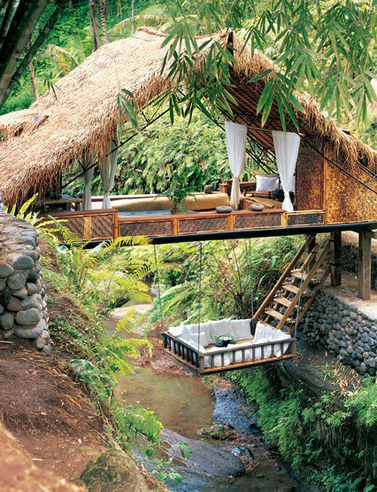 SUNSURFER--Resort Treehouse