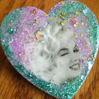 Marilyn Monroe Sparkle Heart Pin