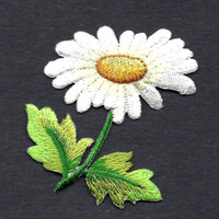 FLOWERS-Daisy w/Yellow Center, Green Leaves & Stem/ Iron On Embroidered Applique