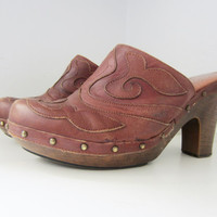 70s Spanish Studded Leather Clogs, US 9 EUR 39-40 UK 7 // Vintage High Heel Wooden Shoes // Western Plateau Shoes