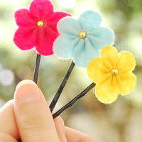 Felt flower bobby pin  set of 3 light bluepink snd by urBunny