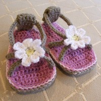 CROCHET PATTERN Daisy Baby Flip Flops Baby and by hollanddesigns