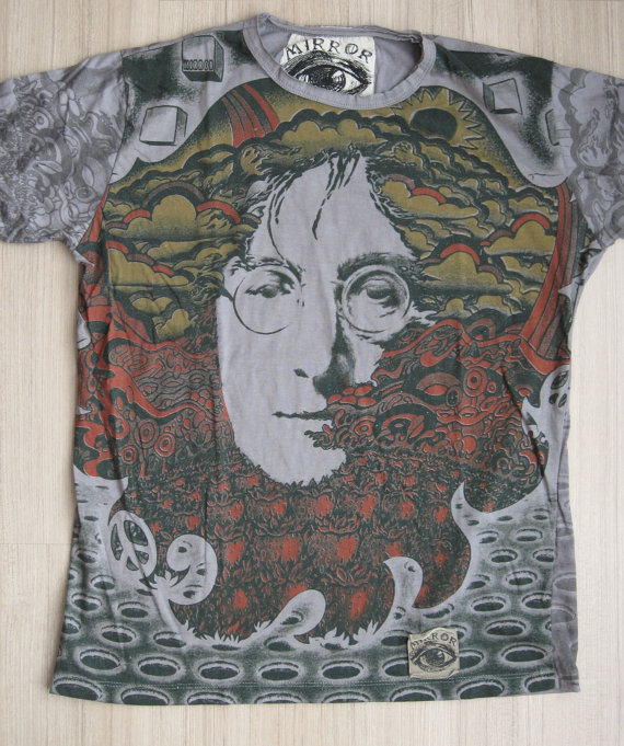 Men&#x27;s tshirt John Lennon by letshugitout