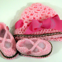 Baby Girl Gift SetShoes and Ribbon CapPink36M by togs4tots on Etsy