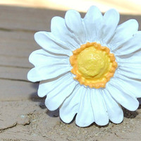Adjustable White Daisy Ring by KissMeKrafty on Etsy