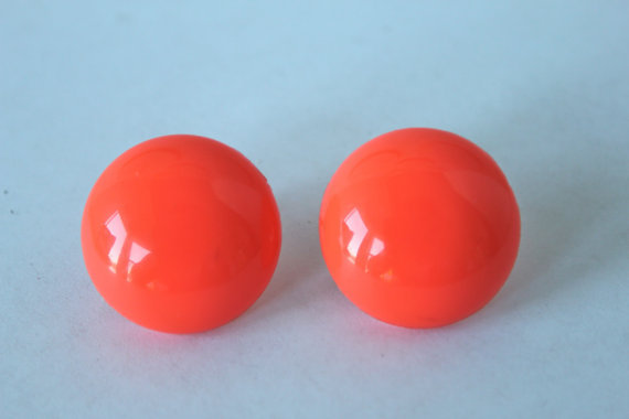 Vintage Jewelry coral orange earrings dome by purrfectstitchers