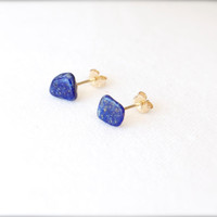 Earring lapis lazuli blue stud post tiny mini geometric raw stone bohemian jewellery 14k gold Ultramarine square cube Navy cobalt boho beach