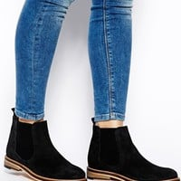 ASOS ACTIVITY Suede Chelsea Boots