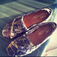 Mossy Oak Camo Toms by ShopSaveYourScissors on Etsy