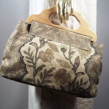 Large hand bag, purse bag,wooden handles.Home decor cotton,floral print, beige,brown,black. Lined, 8 inner pockets.Free shipping in the USA.