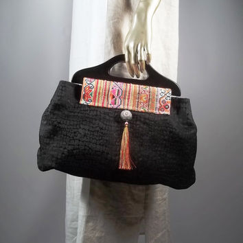 Large hand bag, purse bag,wooden handles.Home decor fabric, black. Lined, 8 inner pockets.Free shipping in the USA.