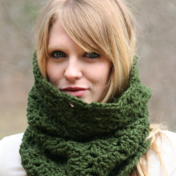 Chunky Snood Cowl Scarf Green Forest by crochetgallery on Etsy