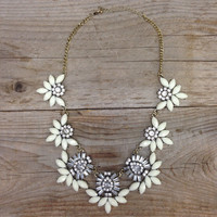 THE ANNA NECKLACE IN SNOW – LaRue Chic Boutique