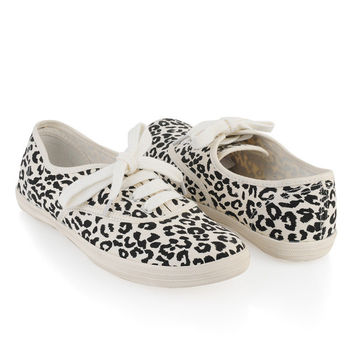 Leopard Tennis Shoes | FOREVER21 - 2000022013