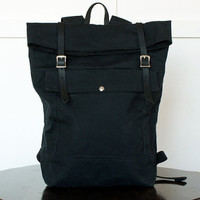 Backpack in Black Waxed Canvas / Leather Straps / Rucksack