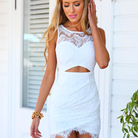 LAYLA LACE DRESS - white fitted lace dress
