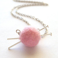 Knitting Necklace Pink Felted Necklace Felt by FioreJewellery