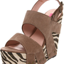 Betsey Johnson Women&#x27;s Ajaya Wedge Sandal 