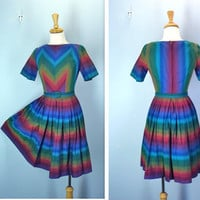 Vintage 1960s Dress / Bold Chevron 50s 60s by SnapVintage on Etsy