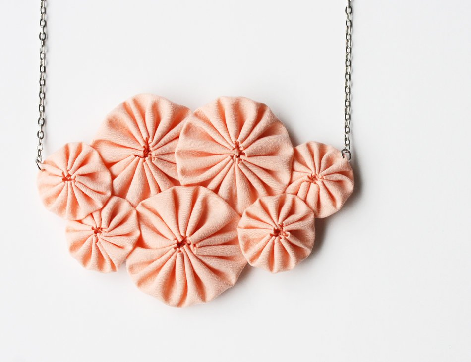 Peach Yoyo Necklace | Luulla