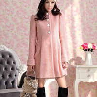 Small nude pink collar around it long coat