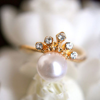Delicate Crown and Pearl Ring | Trinkettes