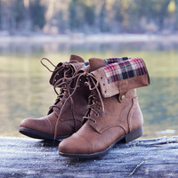 The Lodge Boots in Cedar