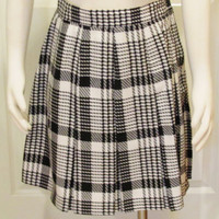 Schoolgirl Skirt Plaid Skirt Pleated Skirt Black and White Skirt Tartan Skirt Vintage Clothing Vintage Clothes Teen Skirt Mini Skirt Ladies