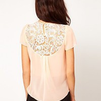 Warehouse | Warehouse - T-shirt di pizzo e chiffon su ASOS