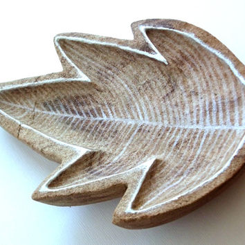 Soap Dish, Carved Stone in Shape of Leaf. Trinket Dish, Soap Rest, Stone Dish, Stone Carving, Rustic, Nature, Woodland, Paperweight