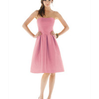 Taffeta Strapless Knee Length Pleated Bridesmaid Dresses