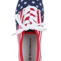 Low Top Sneaker with American Flag Print