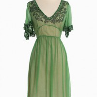 Greenwich Charm Chiffon Dress | Modern Vintage Dresses