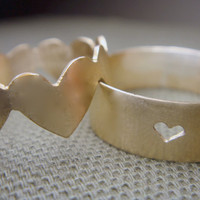 Band of Hearts Couple Rings by anilani by Anilani on Etsy