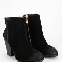 Report Orchid Heeled Ankle Boot- Black 10