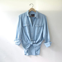 20% OFF SALE / vintage washed out shirt. faded denim shirt. button down shirt. pocket shirt.