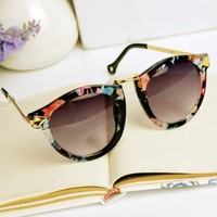 MagicPieces Women's Flora Printed Frame Cateye Shape Synthetic Resin Lens Sunglasses With Metal Arrow Side Detail