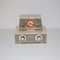 Vintage Clock Radio 60s Ward Airline Clock Radio Solid State Atomic Clock Radio Mid Century Modern Space Age Eames Era Retro