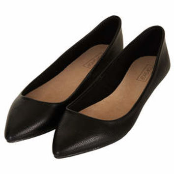 VOLTAIRE Softy Pointed Slip On Shoes - Black