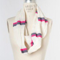 Handwoven Loop Scarf in Pink - The Vitrine