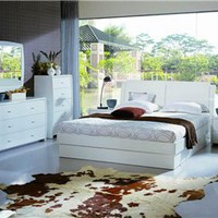 PALERMO Modern White Italian Bed, Beds and Bedroom Sets, New York Modern Furniture Outlets: Nyfurnitureoutlets.com