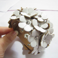 White Soft PU Flowers MultiCrystal Adjustable by sevenvsxiao