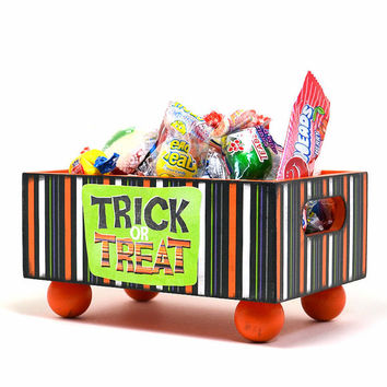 Halloween candy container, Halloween candy holder, trick or treat, decorative wood box, Halloween party decor