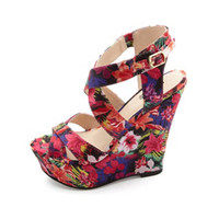 HAWAIIAN PRINT CRISSCROSSING PLATFORM WEDGES