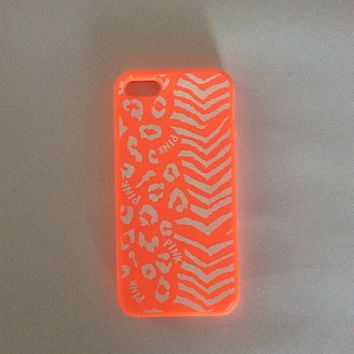 Victoria's Secret PINK iPhone 5/5s Case - Aztec Print